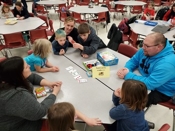 Matching colors, quantity, or shape in a great game of Blink!