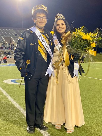 Galena Park  High School Crowns 2019 Homecoming Queen and King