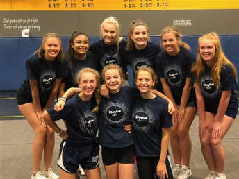 Stayton High School Cheerleaders!