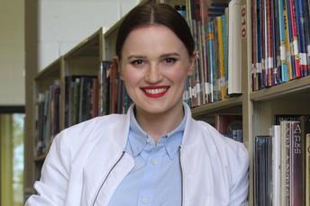 Veronica Roth visits BMS-Prairie