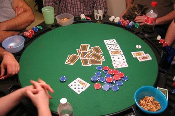 Playing Poker Online - What You Need to Know