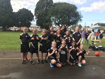 Netball girls - Sports exchange