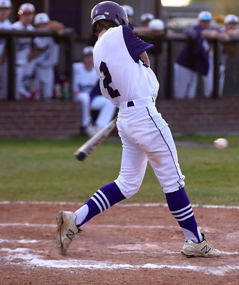 Bonham Warriors Grabs Lead In Seventh Inning For Victory Over Whitewright