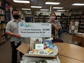 Lincoln gets grant for books