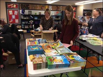 Enid Teachers With New Striving Readers Materials
