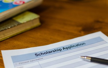 Community Scholarship: Due Date is February 1st at 3pm!