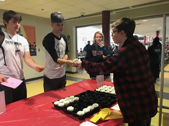 Students Celebrate with Cupcakes