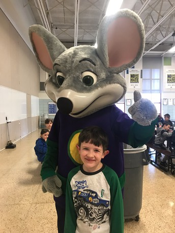 Mrs. Monahan's Class Enjoys Lunch With Chuck E. Cheese!
