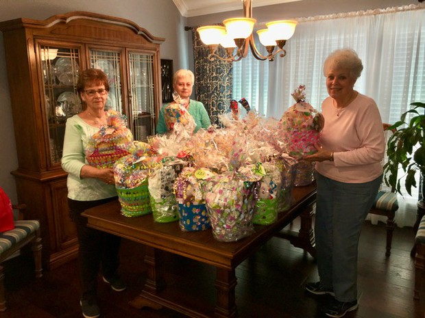 Classic Women Make Easter Baskets for Area Shelter