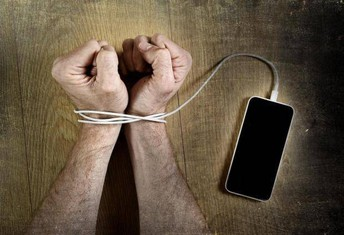 Smartphone Detox: How To Power Down In A Wired World