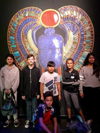 6to Grado visita el Centro de Cienca de California para ver al Rey Tut