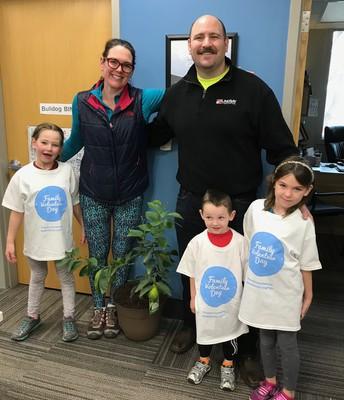 Rockbrook organizes Family Volunteer Day