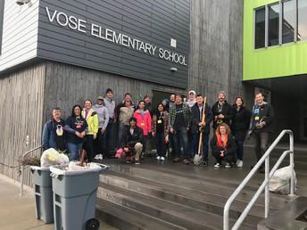 ¡Más de 20 voluntarios de Umpqua Bank e Intel trabajaron como voluntarios por más de 60 horas este mes en Vose!