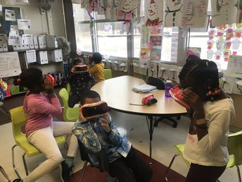 3rd graders using Google Expedition