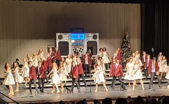 Show Choirs Performs Annual Variety Show