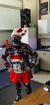 Pretty stylish Mrs. Vollmer! Way to show your festive spirit!