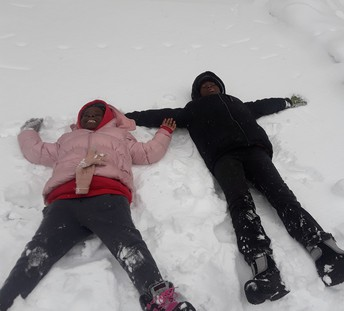 Brielle & Nathan Service on their bed of snow 🛌🏿