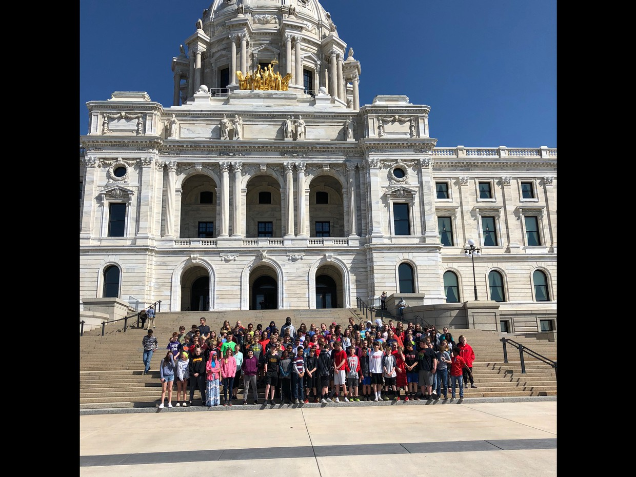 7th Grade Students Visiting the Capitol