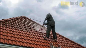 Mycie dachów, okien i elewacji