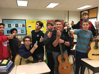 8th Grade Music Students Show Off Custom Picks Made with a 3-D Printer