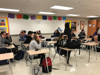 Spanish Classes Using Virtual Reality Headsets