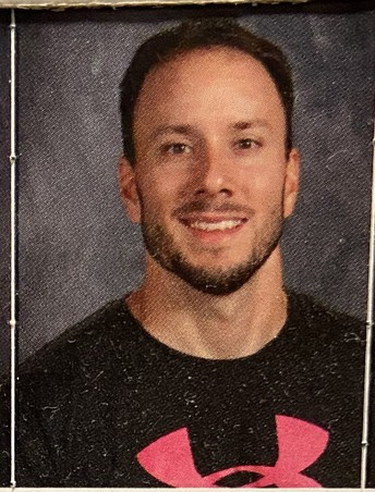 Mr. Karg - Physical Education Teacher / Sr. Karg - Maestro de educacion fisica