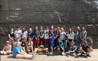 Los estudiantes de Lundahl en el Memorial a Franklin Delano Roosevelt