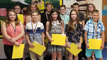 Warrensburg Grade 6 Students Help 1st Graders!
