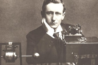 Marconi sends first Atlantic Wireless Transmission