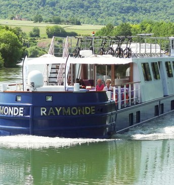 RAYMONDE' CRUISE IN PARIS & CHAMPAGNE