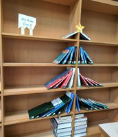 Boy Brains Holiday Book Tree