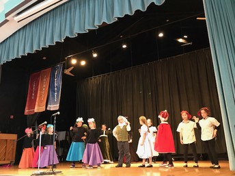 Voyagers Star in Alice in Wonderland