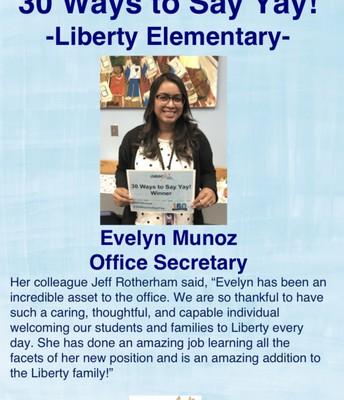 Evelyn Muñoz, Secretaria