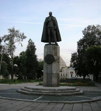 Памятник Нестерову