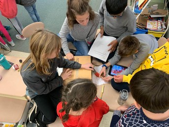 4th Graders Participate in a Breakout Box Challenge