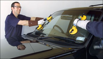 Qualities Desirable in Auto Glass Repair Expert