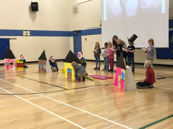 Grade 1 Assembly The 3 Little Pigs
