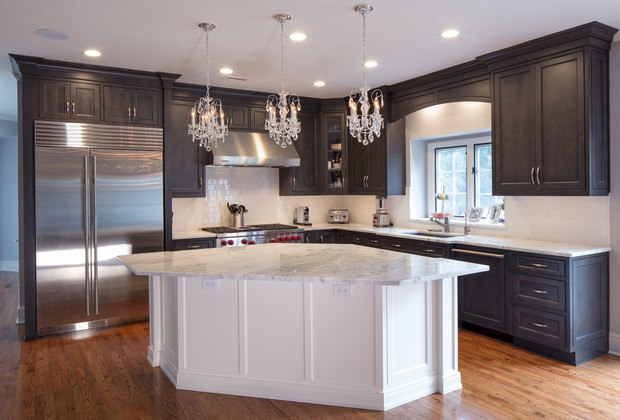 Marble and Quartz Kitchen Countertops