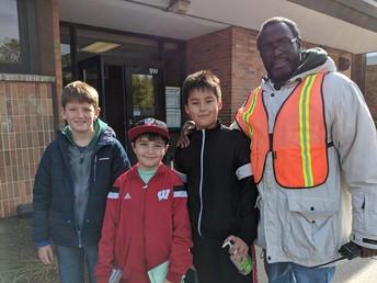 4th Grade Leaders Helping at Recess