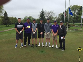Golf Team that Qualified for Sectionals
