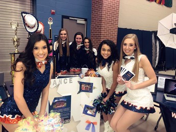 Legacies hosted the Legacy Line table at Freshman Rising Night