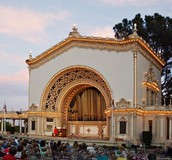 Michele E. performs in  Spreckels organ concerts