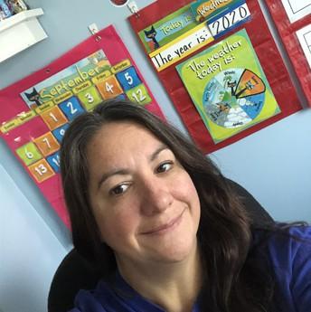 Mrs. Dalton - 1st-2nd Grade Teacher / Sra. Dalton - Maestra de 1er-2do grado