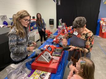 Primary Campus Hosts Book Fair