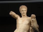 Hermes bearing the infant Dionysus