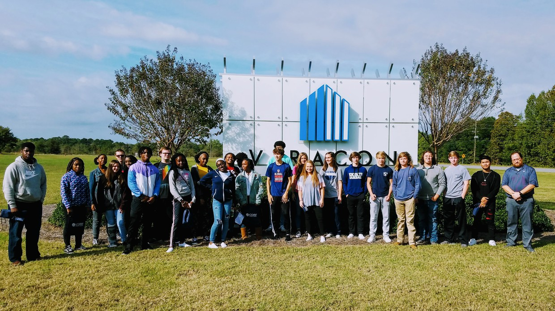 Distribution and Logistics students at Viracon