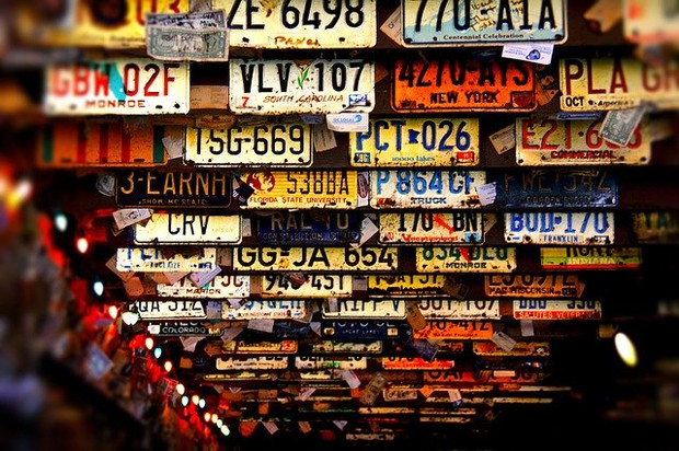 license plates tracing