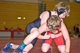 WRESTLERS CONTINUE THEIR SEASON