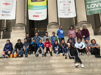 6th Grade looks like they had fun and learned a lot at the Franklin Institute.