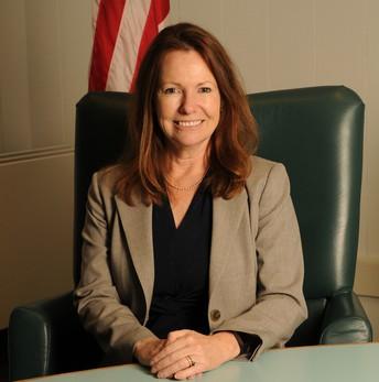 photo of Superintendent Dr. Nellie Meyer